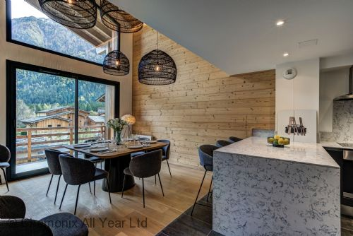 Double heighted dining room