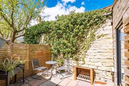 Upfront,up,front,reviews,accommodation,self,catering,rental,holiday,homes,cottages,feedback,information,genuine,trust,worthy,trustworthy,supercontrol,system,guests,customers,verified,exclusive,the pigsty,stays york,slingsby,,image,of,photo,picture,view