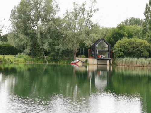 Upfront,up,front,reviews,accommodation,self,catering,rental,holiday,homes,cottages,feedback,information,genuine,trust,worthy,trustworthy,supercontrol,system,guests,customers,verified,exclusive,the boathouse,little horseshoe lake ltd,cirencester,,image,of,photo,picture,view