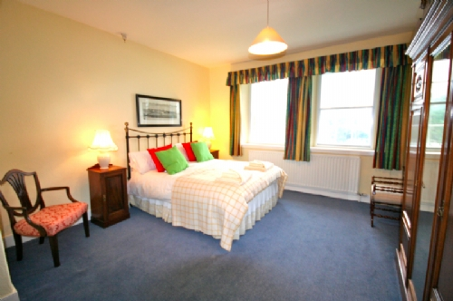 Large Kingsize double bedroom