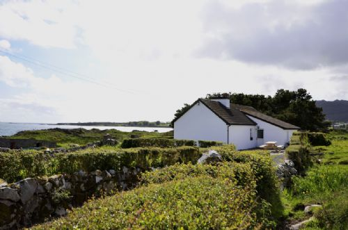 Upfront,up,front,reviews,accommodation,self,catering,rental,holiday,homes,cottages,feedback,information,genuine,trust,worthy,trustworthy,supercontrol,system,guests,customers,verified,exclusive,cottage 176 - roundstone,love connemara cottages,roundstone,,image,of,photo,picture,view