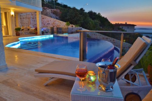 Upfront,up,front,reviews,accommodation,self,catering,rental,holiday,homes,cottages,feedback,information,genuine,trust,worthy,trustworthy,supercontrol,system,guests,customers,verified,exclusive,turtle bay villa,olive tree travel,kas,,image,of,photo,picture,view