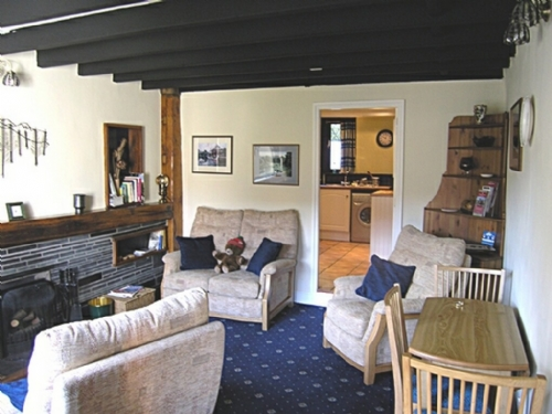 Montara Cottage, lounge, Lakes Cottage Holidays