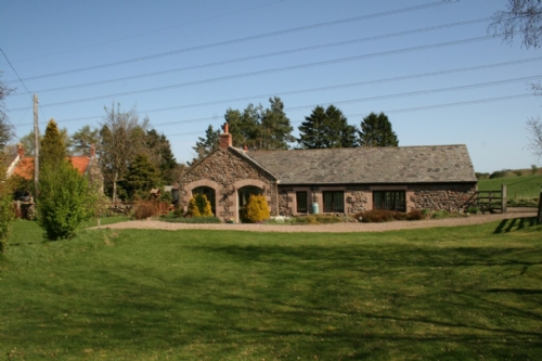 Northumbria, Cottage Holiday Group, front of property with garden