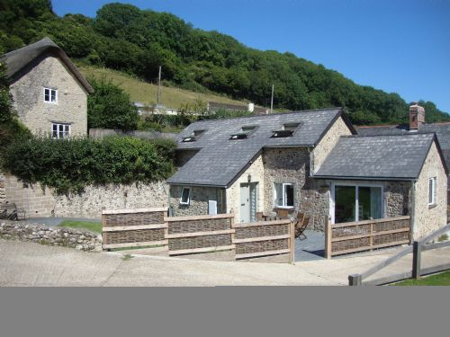 Upfront,up,front,reviews,accommodation,self,catering,rental,holiday,homes,cottages,feedback,information,genuine,trust,worthy,trustworthy,supercontrol,system,guests,customers,verified,exclusive,the lodge,pitt farm branscombe,seaton,,image,of,photo,picture,view