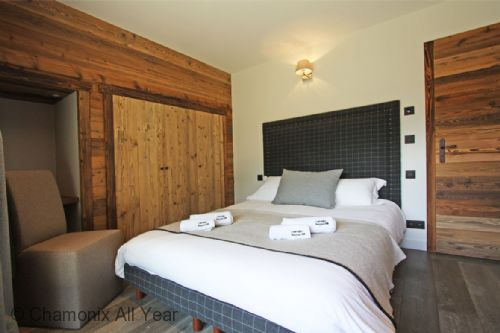 Double bedroom with ensuite bathroom