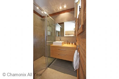 Double bedroom ensuite with shower