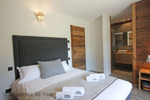 Double bedroom with looking at ensuite