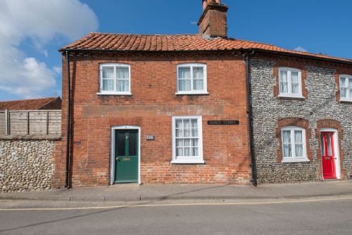 Hope Cottage in Little Walsingham is an perfect holiday cottge to explore the village, pilgrim centre and beyond