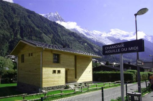 Right in the centre of town by Aiguille du Midi train station