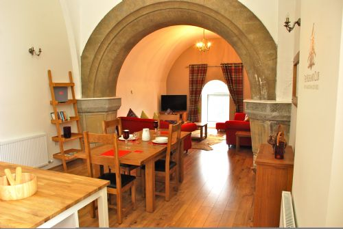 Upfront,up,front,reviews,accommodation,self,catering,rental,holiday,homes,cottages,feedback,information,genuine,trust,worthy,trustworthy,supercontrol,system,guests,customers,verified,exclusive,abbey church 23,highland club direct,fort augustus,,image,of,photo,picture,view