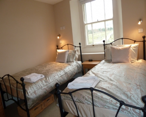 Greenbank Farm House, twin room, Lakes Cottage Holidays