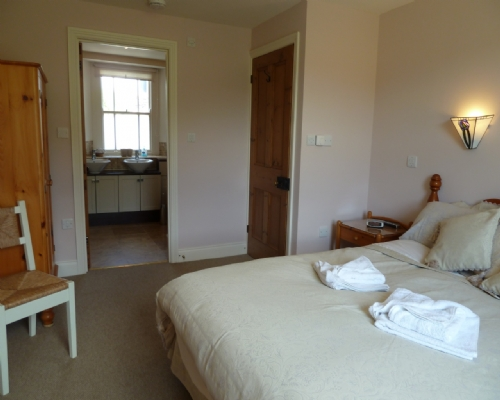 Greenbank Farmhouse, Master bedroom, Self Catering Cottage in Troutbeck, Nr Ullswater, Lakes Cottage Holidays