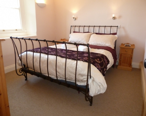 Greenbank Farmhouse, double bedroom, Self Catering Cottage in Troutbeck, Nr Ullswater, Lakes Cottage Holidays