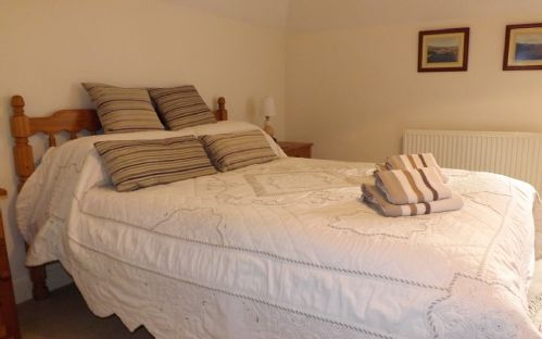 Upfront,up,front,reviews,accommodation,self,catering,rental,holiday,homes,cottages,feedback,information,genuine,trust,worthy,trustworthy,supercontrol,system,guests,customers,verified,exclusive,alderburn,islands and highlands cottages,portree,,image,of,photo,picture,view