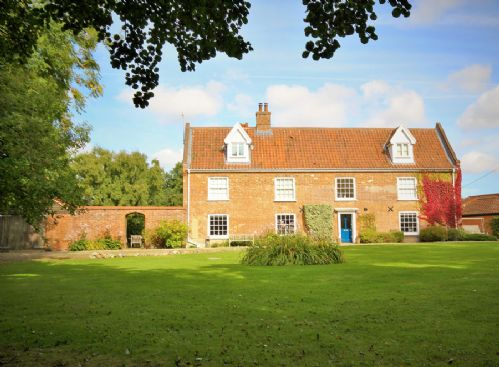 Home Farm House - Self-Catering Cottage Accommodation - Norfolk Holidays