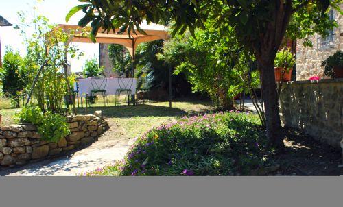 Gardens and perglola of Tuscan villa Castiglion fiorentino