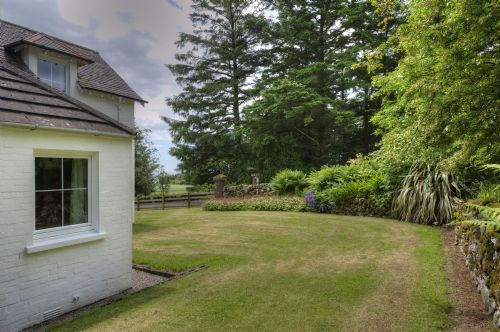 Upfront,up,front,reviews,accommodation,self,catering,rental,holiday,homes,cottages,feedback,information,genuine,trust,worthy,trustworthy,supercontrol,system,guests,customers,verified,exclusive,cutlar's lodge,orroland holiday cottages,kirkcudbright,,image,of,photo,picture,view
