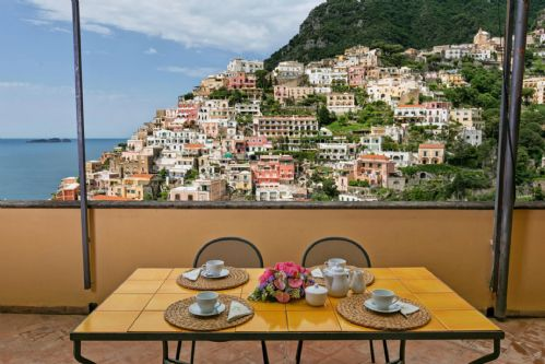 Upfront,up,front,reviews,accommodation,self,catering,rental,holiday,homes,cottages,feedback,information,genuine,trust,worthy,trustworthy,supercontrol,system,guests,customers,verified,exclusive,casa palazzo,rentals in italy srl,positano,,image,of,photo,picture,view