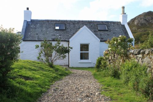 Upfront,up,front,reviews,accommodation,self,catering,rental,holiday,homes,cottages,feedback,information,genuine,trust,worthy,trustworthy,supercontrol,system,guests,customers,verified,exclusive,harbour,colonsay holidays - hotel, cottages, backpackers,,,image,of,photo,picture,view