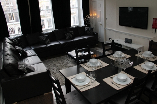 Royal Mile Edinburgh Group Apartments - 4 Bedroom 4 Bathrooms ...