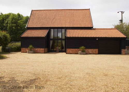 Upfront,up,front,reviews,accommodation,self,catering,rental,holiday,homes,cottages,feedback,information,genuine,trust,worthy,trustworthy,supercontrol,system,guests,customers,verified,exclusive,corner farm barn,corner farm holidays,halesworth,,image,of,photo,picture,view