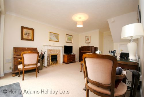 Upfront,up,front,reviews,accommodation,self,catering,rental,holiday,homes,cottages,feedback,information,genuine,trust,worthy,trustworthy,supercontrol,system,guests,customers,verified,exclusive,oak tree cottage, chichester,henry adams holiday cottages ,chichester ,,image,of,photo,picture,view