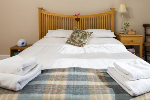 Upfront,up,front,reviews,accommodation,self,catering,rental,holiday,homes,cottages,feedback,information,genuine,trust,worthy,trustworthy,supercontrol,system,guests,customers,verified,exclusive,orchard road,greatbase apartments ltd,edinburgh,,image,of,photo,picture,view