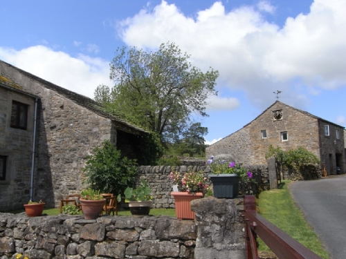 THE OLD GRANARY COTTAGE, Bolton by Bowland, Lancashire