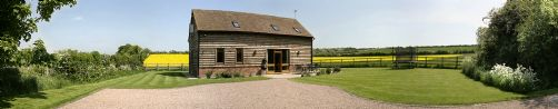 Upfront,up,front,reviews,accommodation,self,catering,rental,holiday,homes,cottages,feedback,information,genuine,trust,worthy,trustworthy,supercontrol,system,guests,customers,verified,exclusive,the old saw barn,the old saw barn,pershore,,image,of,photo,picture,view