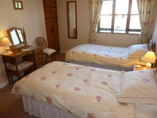 Midtown Cottage, Newby, Twin bedroom, Lakes Cottage Holiday