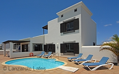 Spectacular villa, heated pool with ample sunbathing terrace space