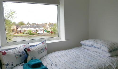 Single Bed in Bedroom 1