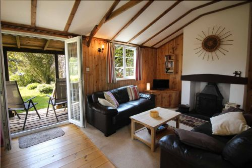 Upfront,up,front,reviews,accommodation,self,catering,rental,holiday,homes,cottages,feedback,information,genuine,trust,worthy,trustworthy,supercontrol,system,guests,customers,verified,exclusive,the hut,cornwalls cottages ltd,veryan,,image,of,photo,picture,view