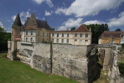 Stunning Chateau close to Bergerac