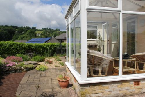 Lindale Retreat, Garden, Lindale, South Lakes, Lakes Cottage Holidays