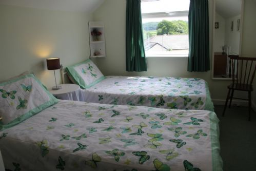 Lindale Retreat, First Floor Twin Bedroom, Lindale, South Lakes, Lakes Cottage Holidays