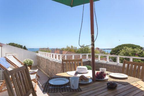 Charming Estoril Ocean View Apartment