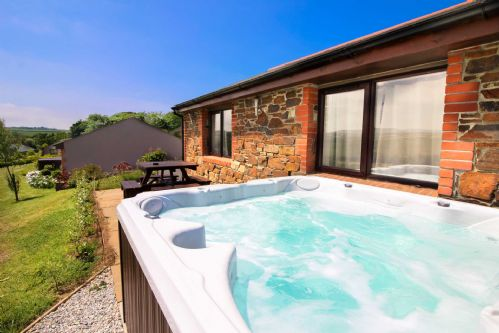 Upfront,up,front,reviews,accommodation,self,catering,rental,holiday,homes,cottages,feedback,information,genuine,trust,worthy,trustworthy,supercontrol,system,guests,customers,verified,exclusive,broadbeach cottage,cornwalls cottages ltd,portreath,,image,of,photo,picture,view