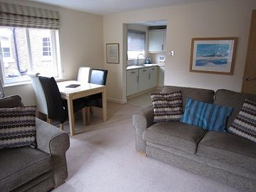 Upfront,up,front,reviews,accommodation,self,catering,rental,holiday,homes,cottages,feedback,information,genuine,trust,worthy,trustworthy,supercontrol,system,guests,customers,verified,exclusive,4 crambeck court ,in york holidays,york,,image,of,photo,picture,view