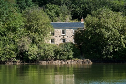 Upfront,up,front,reviews,accommodation,self,catering,rental,holiday,homes,cottages,feedback,information,genuine,trust,worthy,trustworthy,supercontrol,system,guests,customers,verified,exclusive,pencreek cottage,cornwalls cottages ltd,coombe,,image,of,photo,picture,view