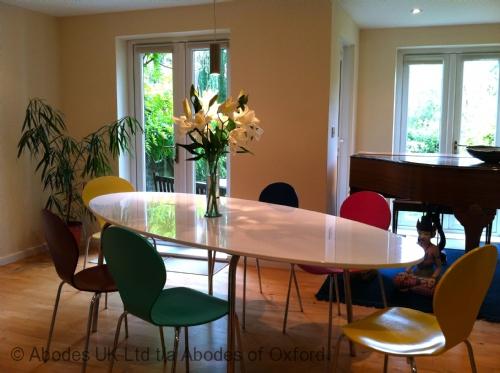 Oxford Thames B&B - Dining Room