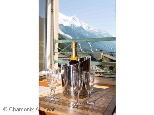 Upfront,up,front,reviews,accommodation,self,catering,rental,holiday,homes,cottages,feedback,information,genuine,trust,worthy,trustworthy,supercontrol,system,guests,customers,verified,exclusive,la belle epoque apartment,chamonix all year ltd,chamonix,,image,of,photo,picture,view