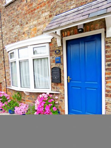 Upfront,up,front,reviews,accommodation,self,catering,rental,holiday,homes,cottages,feedback,information,genuine,trust,worthy,trustworthy,supercontrol,system,guests,customers,verified,exclusive,york cottage ,in york holidays,york ,,image,of,photo,picture,view