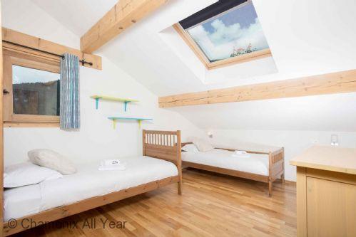 Twin bedroom top floor of chalet