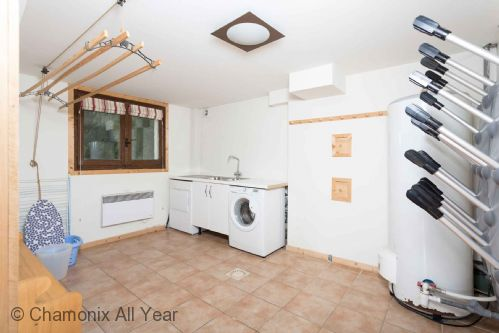 Boot room with ski boot dryer, and washing facilities