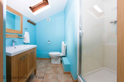 Top floor bathroom for both twin bedrooms