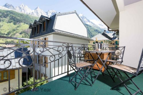 Balcony facing Mont Blanc