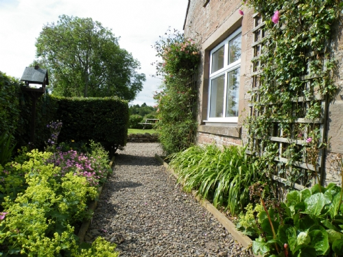 Wild Rose Cottage, garden, Cottage Holiday Group
