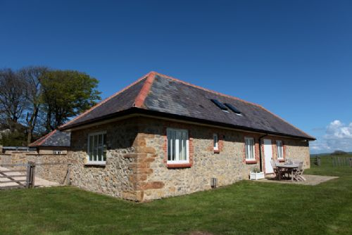 Upfront,up,front,reviews,accommodation,self,catering,rental,holiday,homes,cottages,feedback,information,genuine,trust,worthy,trustworthy,supercontrol,system,guests,customers,verified,exclusive,the cow byre,luxury dorset cottages,abbotsbury,,image,of,photo,picture,view